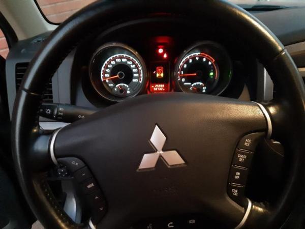 Mitsubishi Montero  año 2017