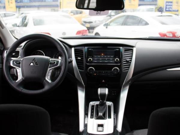 Mitsubishi Montero Montero Sport 3.0 año 2017