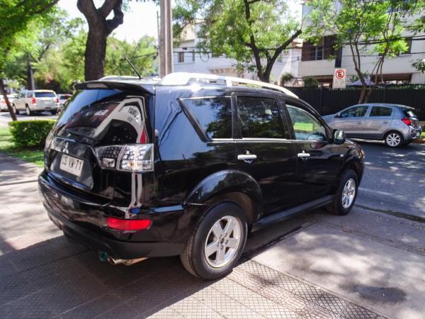 Mitsubishi Outlander 4X2 2.4 MT año 2011