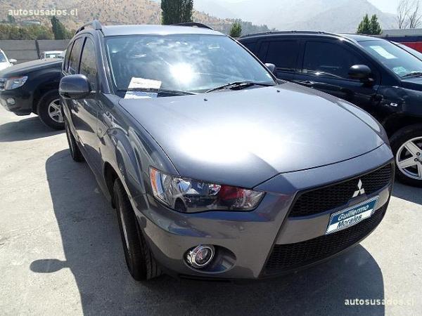 Mitsubishi Outlander 4X2 2.0 MT año 2012