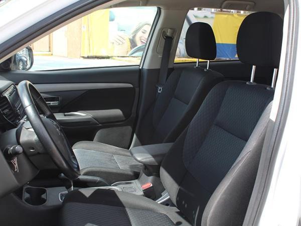 Mitsubishi Outlander OUTLANDER 2.0 año 2014