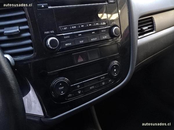 Mitsubishi Outlander GL año 2014