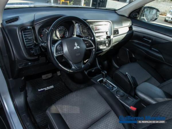 Mitsubishi Outlander 4X2 2.0 . año 2015