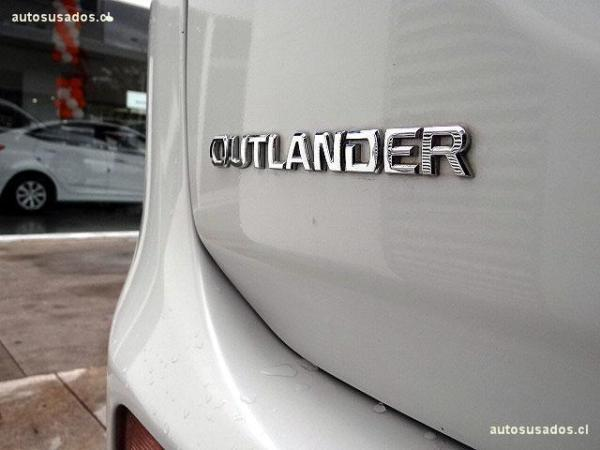 Mitsubishi Outlander 2.0 año 2015