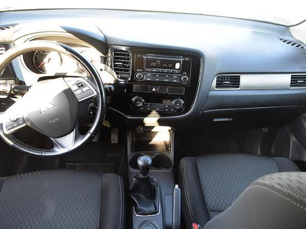 Mitsubishi Outlander NEW OUTLANDER 2.0 año 2015