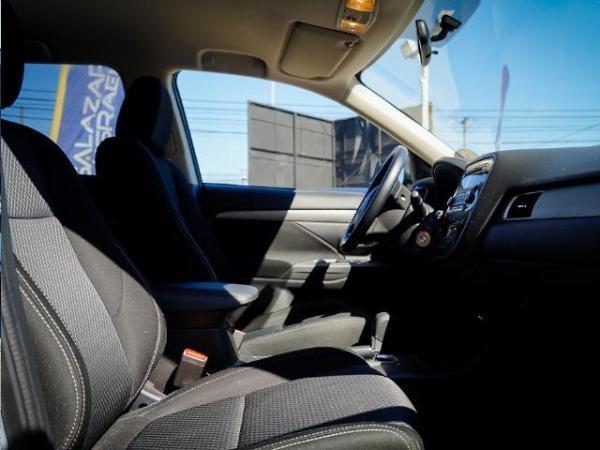 Mitsubishi Outlander OUTLANDER 2.0 año 2016
