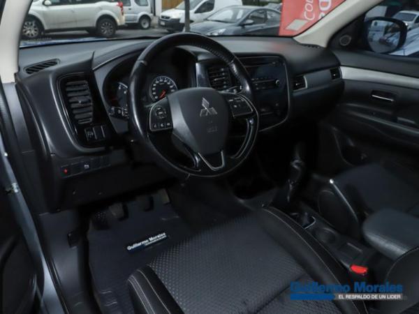 Mitsubishi Outlander 4X2 2.0 año 2016