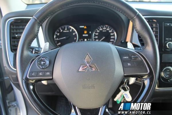 Mitsubishi Outlander Outlander Glx 4x4 2.4 año 2017