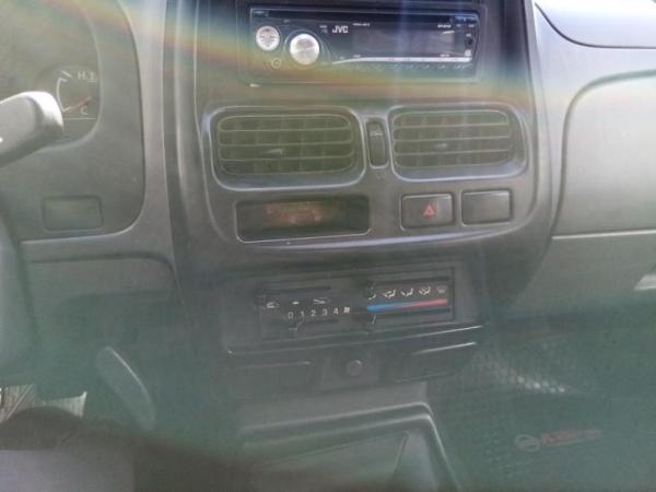 Nissan D22 terrano 2.4 año 2009