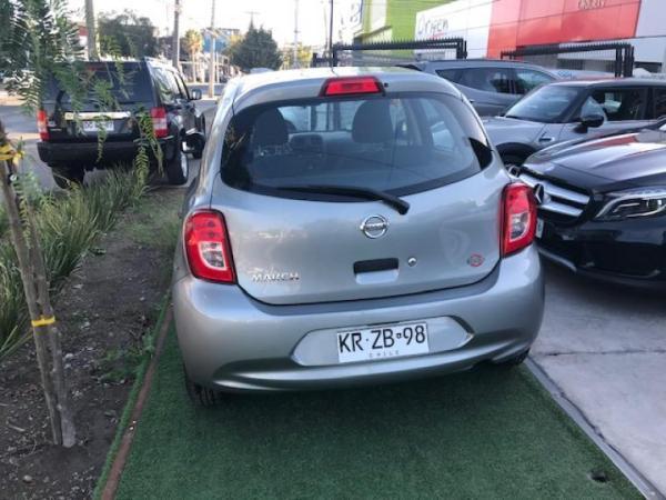 Nissan March gl año 2018