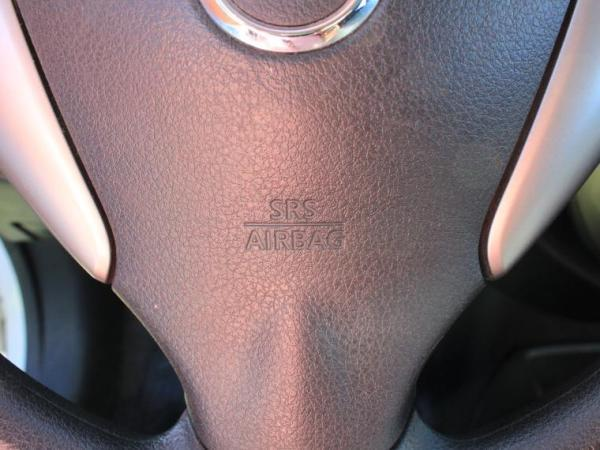 Nissan March SPORT 1.6 año 2018