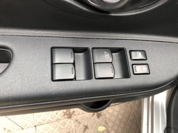 Nissan March Sport Drive 1.6 AC año 2019