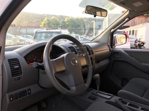 Nissan Navara 2.5 LE 4X4 AT año 2010