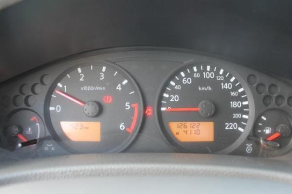 Nissan Navara NAVARA 4X4 2.5 año 2012