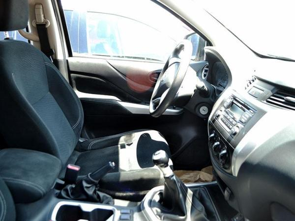 Nissan NP300 NP300 DCAB XE 2.5 año 2016