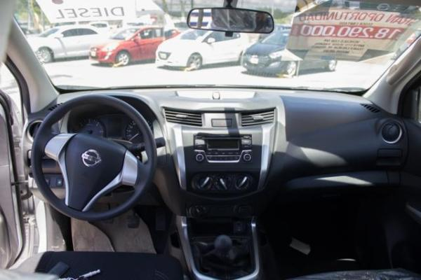 Nissan NP300 NP300 DCAB 4X4 2.3 año 2017