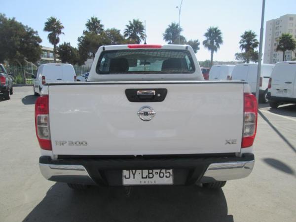 Nissan NP300 XE 6MT año 2018