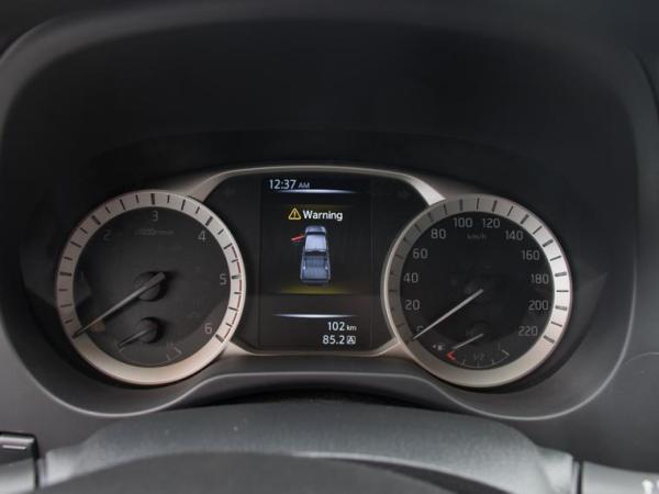 Nissan NP300 NP300 DC XE 2.3D MT año 2018