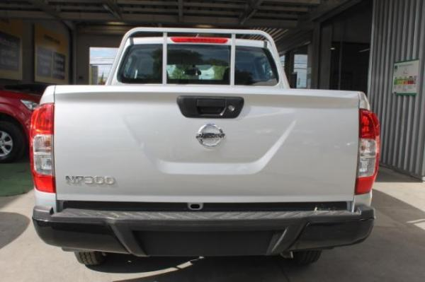 Nissan NP300 Np300 Dc S 2.5 Mt año 2018