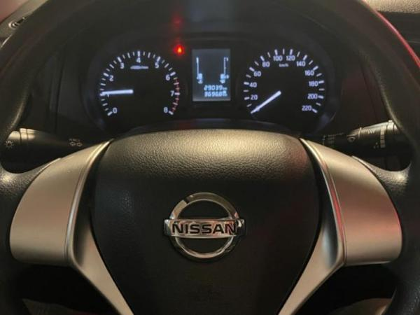 Nissan NP300 DC 2.5 año 2018