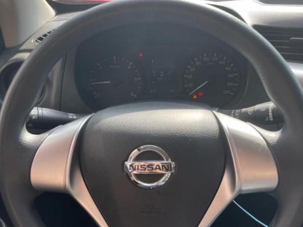 Nissan NP300 NP300 SE 2.3D MT 4X4 año 2019