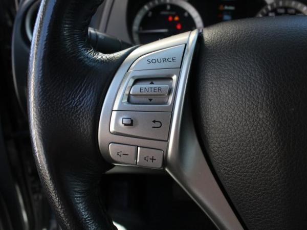 Nissan NP300 NAVARA DCAB 4X4 2.3 año 2020