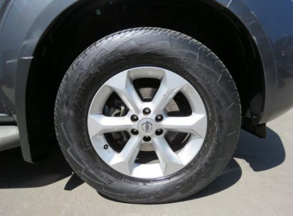 Nissan Pathfinder SE año 2013