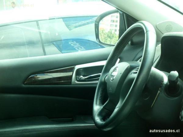 Nissan Pathfinder EXCLUSIVE año 2015