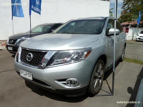 Nissan Pathfinder EXCLUSIVE año 2015