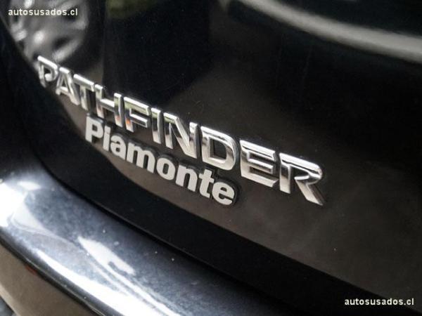 Nissan Pathfinder 4WD año 2015
