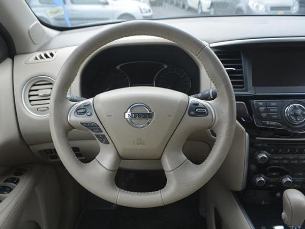 Nissan Pathfinder PATHFINDER 3.5 AT año 2015