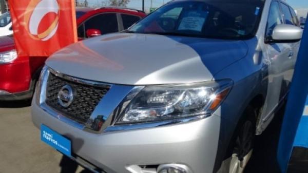 Nissan Pathfinder ADVANCE año 2015