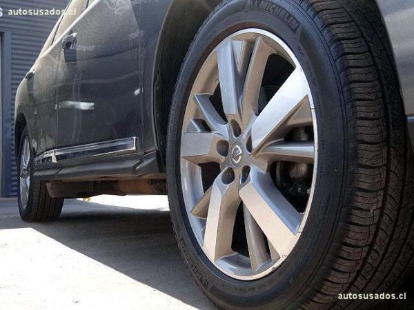 Nissan Pathfinder 4x4 3.5 año 2015