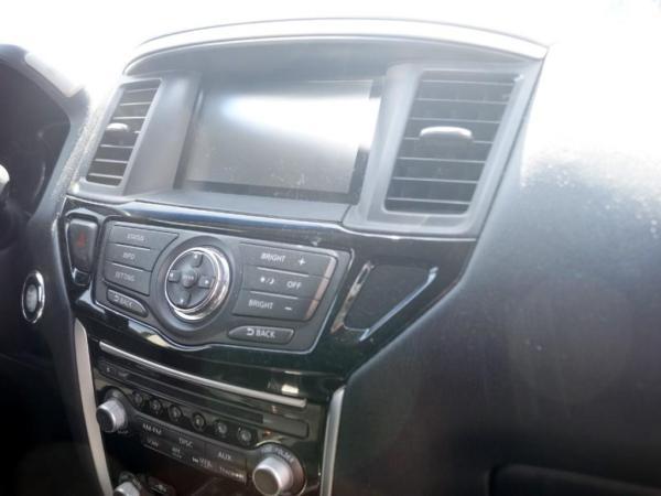 Nissan Pathfinder SENSE año 2016