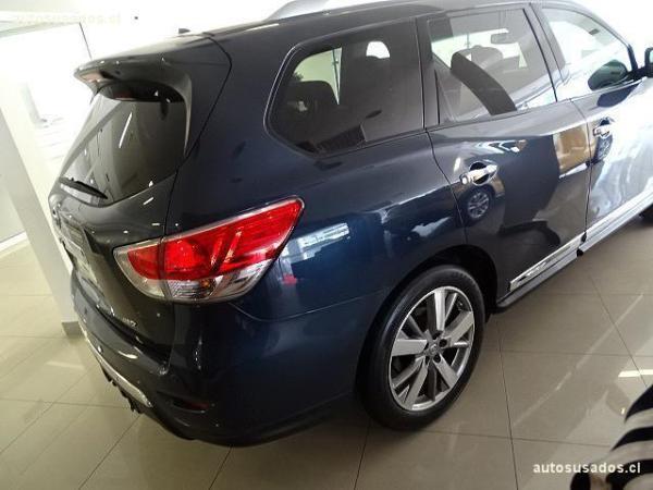 Nissan Pathfinder EXCLUSIVE año 2017