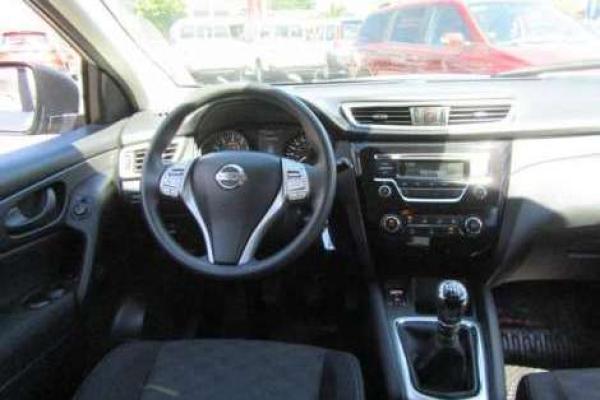Nissan Qashqai SENSE 2.0 año 2015