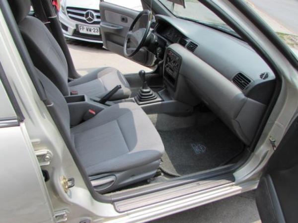 Nissan Sentra 1.6 XE SALOOS DUEÑO 125. año 1997
