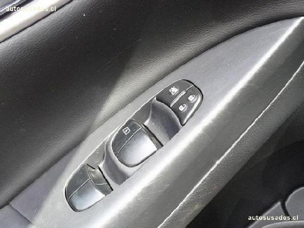 Nissan Sentra FULL año 2014
