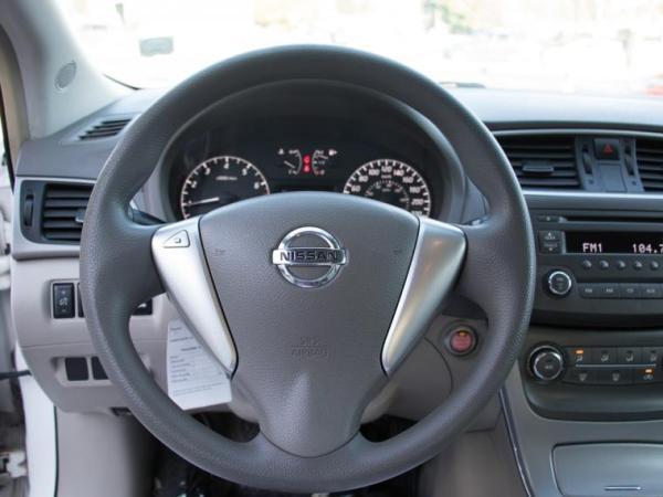 Nissan Sentra SENSE 1.8 MT año 2015