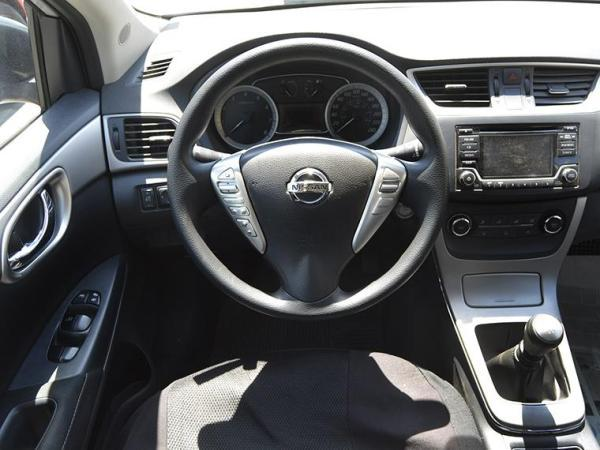 Nissan Sentra SENTRA ADVANCE 1.8 año 2015