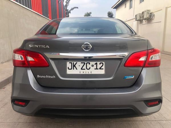 Nissan Sentra 1.8 EXCLUSIVE CVT AT año 2017
