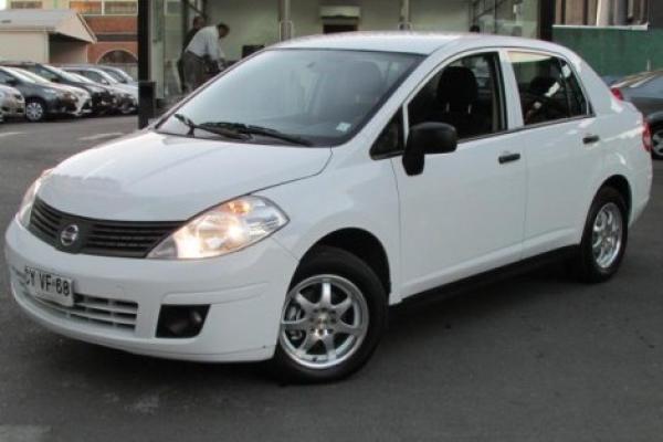 Nissan Tiida 1.6 año 2011