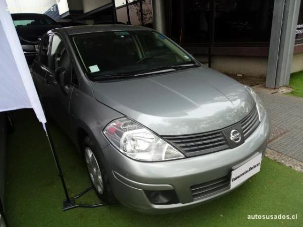 Nissan Tiida SEDAN año 2011
