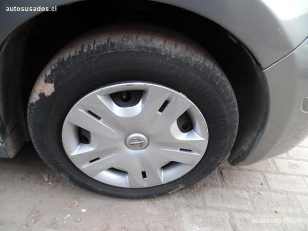 Nissan Tiida  año 2012