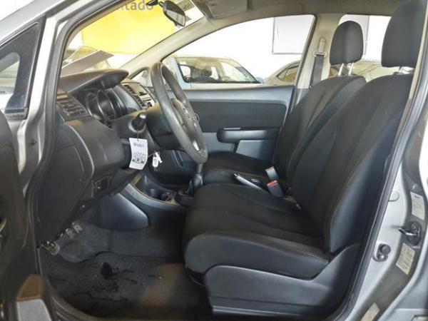 Nissan Tiida TIIDA año 2013
