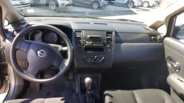 Nissan Tiida TIIDA 1.6 año 2013