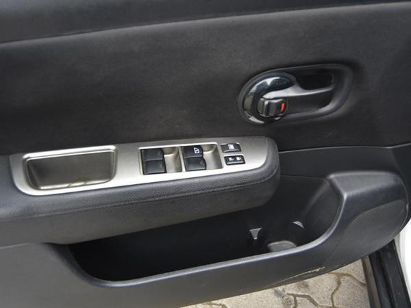 Nissan Tiida . año 2014