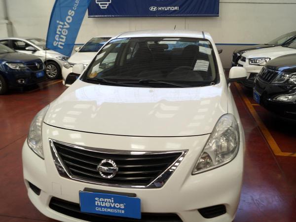 Nissan Versa MT año 2012