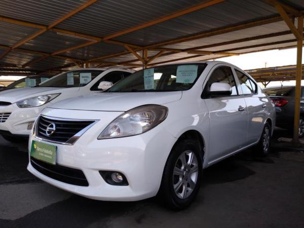 Nissan Versa 1.6 año 2013