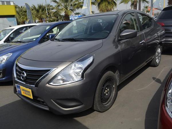 Nissan Versa VERSA SENSE 1.6 año 2015